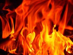 火災の初期消火に消火器より簡単投げ込むだけのElide Fire Ball