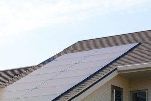 震災などで住宅の屋根に設置している太陽光パネルが被害を受けた時の取り扱い