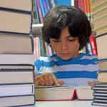 いい本を大量に読むと収入が上がる?テレビと本の情報量と質の大きな差