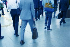 通勤時間は無駄な時間?無駄にするか有効にするかはあなた次第です!
