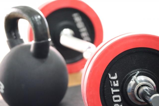 瞬発系のスポーツをする人におすすめ!瞬発力を上げる2つのトレーニングのパワークリーンとスラスター